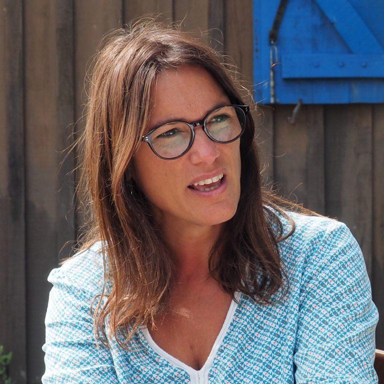 Elsa Minos créatrice d'Artitude Architecte d'intérieur à Arcachon et Bordeaux
