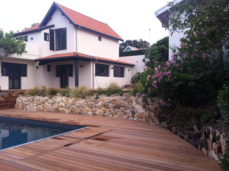 deck en bois piscine Artitude Architecte d'intérieur à Arcachon et Bordeaux