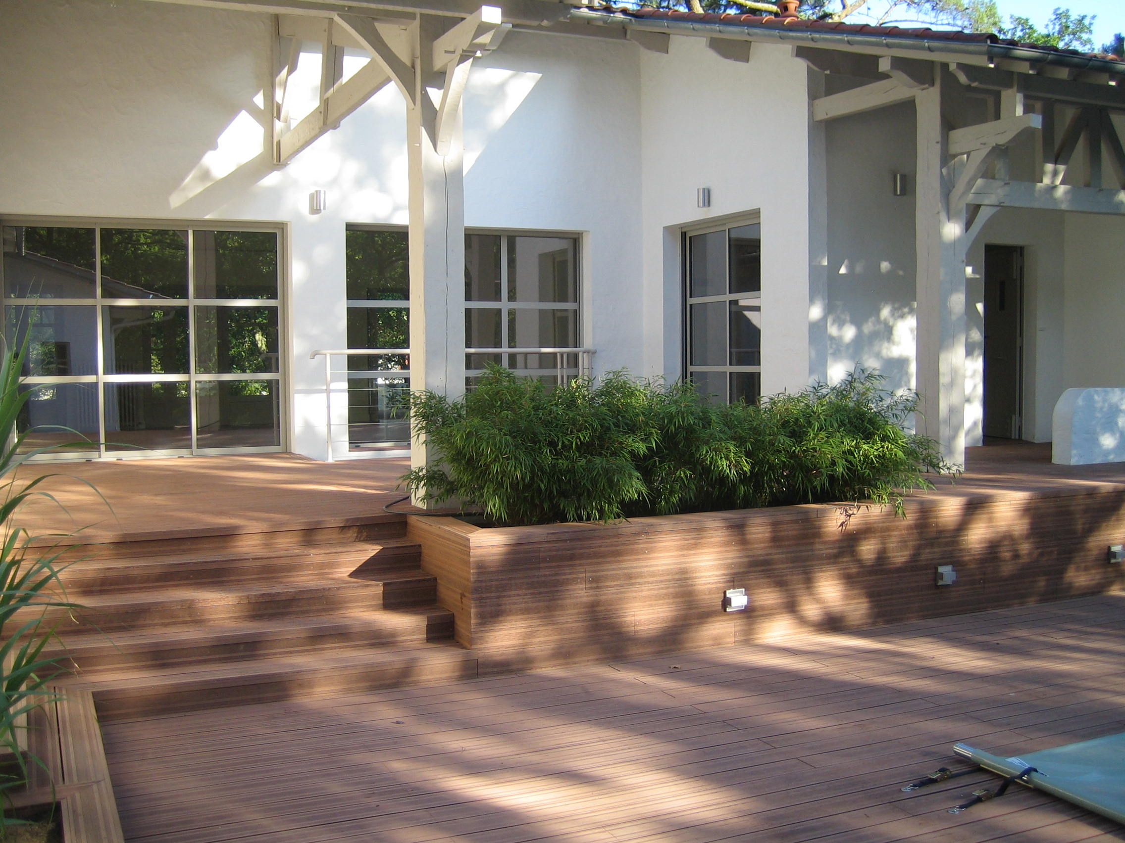 deck en pvc pour jardin Artitude Architecte d'intérieur à Arcachon et Bordeaux